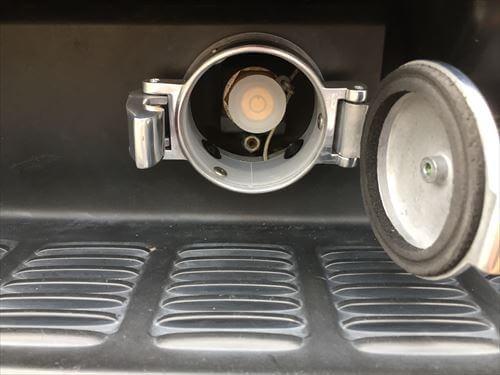 LPGハイブリッド充填口カバーの取り付け完了