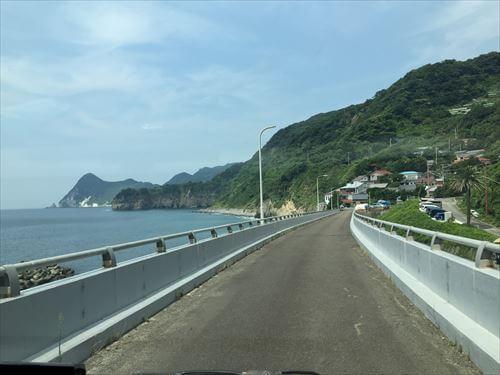 伊豆の落居海岸への道