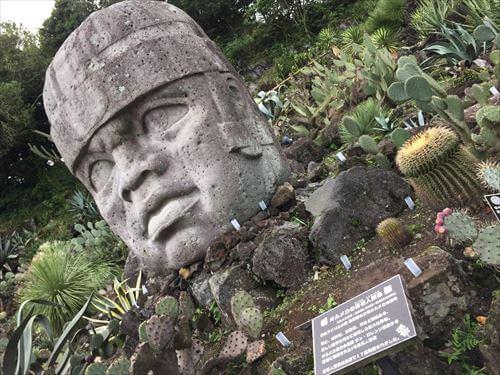 伊豆シャボテン公園の石像