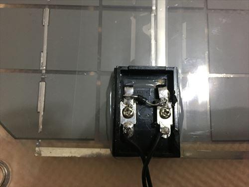 ソーラーパネルの接点ボックス