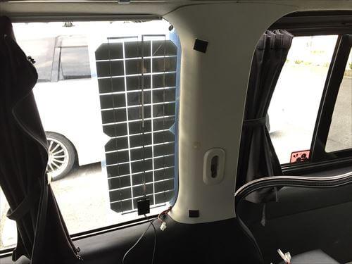 ハイエースにソーラーパネル設置