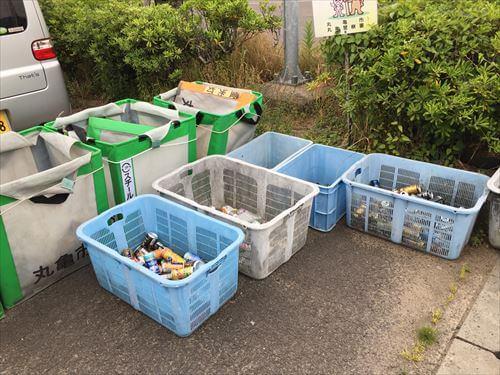 さぬき広島のフェリー乗り場の分別ゴミ