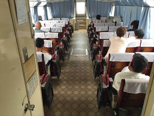 さぬき広島の高速艇船内