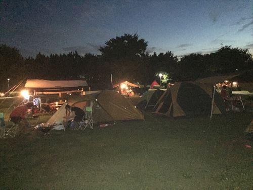 夜の若洲公園キャンプ場