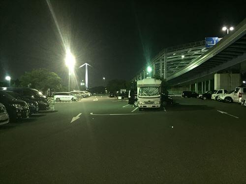 夜の若洲公園キャンプ場駐車場