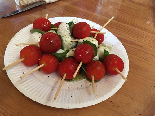 生野菜とチーズの串