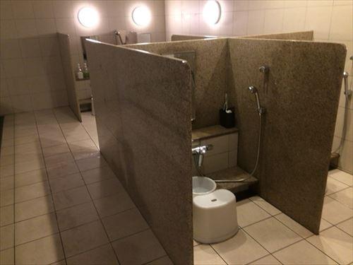 ファーストキャビンの大浴場洗い場