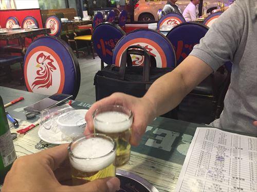 大連の居酒屋で乾杯