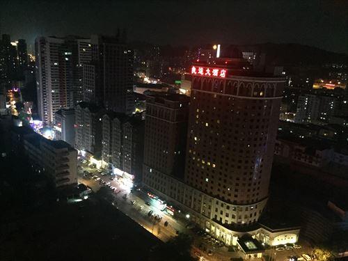 大連のホテルの部屋からの夜景