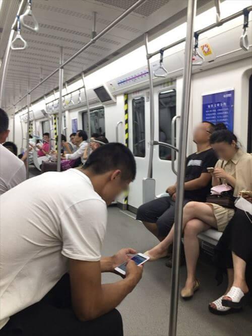 大連(中国)の地下鉄車内