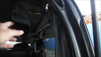 ハイエースのリアゲート用網戸のファスナー部分
