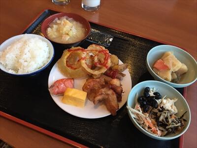 ニセコ・ヒラフの朝食ビュッフェ
