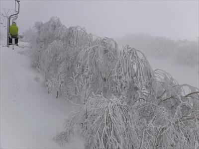 斑尾高原スキー場の山頂シングルリフト