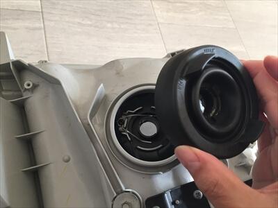 ハイエース200系3型ヘッドライトLEDバルブ取付け