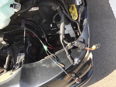ハイエース200系3型のイカリング付きプロジェクターヘッドライト配線取り外し