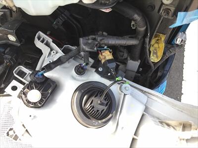 ハイエース200系3型のヘッドライトにH4LEDバルブ取付け