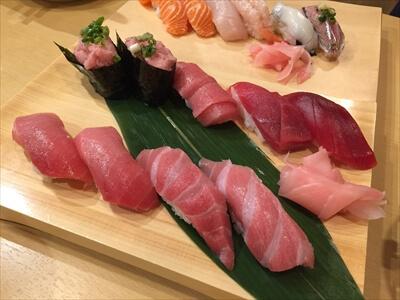 横須賀ひさご寿司の大トロなどのマグロづくし