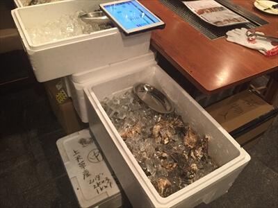 かき小屋 恵比寿の牡蠣どっさり