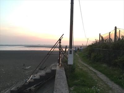 木更津市江川海岸の水門の先