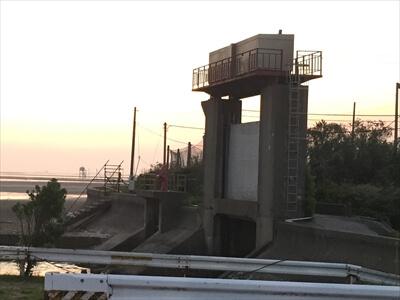 木更津市江川海岸の水門