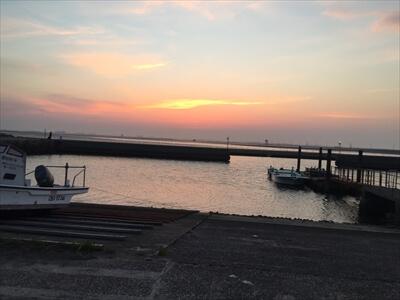 木更津市江川海岸の港の夕暮れ
