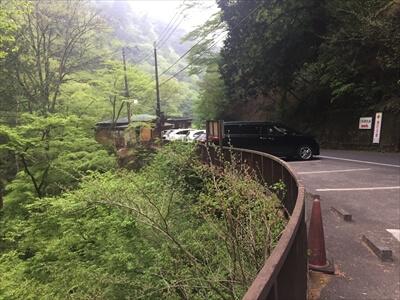 日原鍾乳洞の臨時駐車場