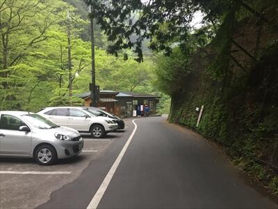 日原鍾乳洞の駐車場