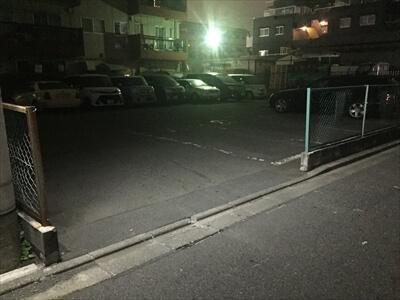 カッパ64の駐車場