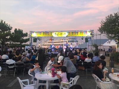 高松サンポート祭り『真夏の夜の夢』のライブステージ