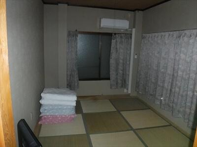 女木島の海の家『UMIYADO鬼旬』の宿泊部屋