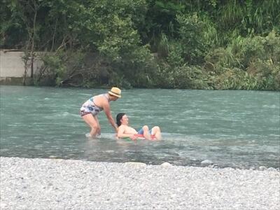 穴吹川で川遊び3