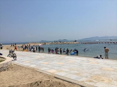 女木島の海水浴場-混雑