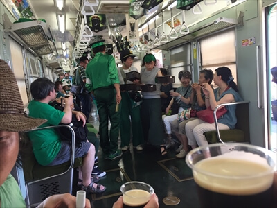 電車でビアパーティー『IRISH PUB TRAIN THE CRAIC』-スタッフ