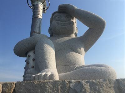 女木島の鬼の灯台
