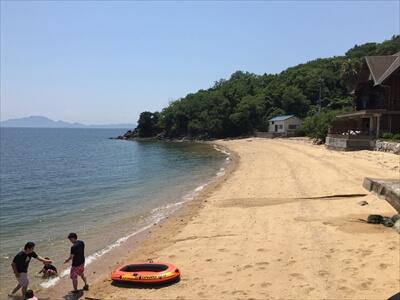 岡山県笠岡市の真鍋島海水浴場