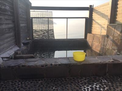 三虎の貸切風呂-露天風呂