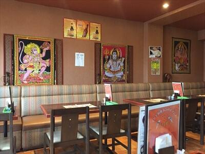 インド料理ムンバイパレス店内
