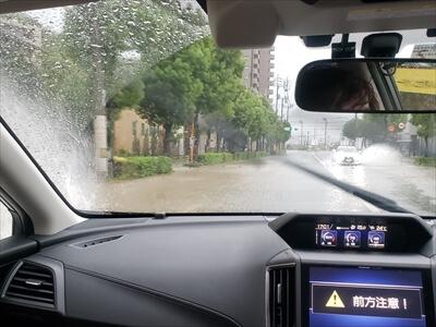 台風24号で道路浸水