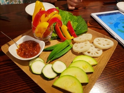 高松の『肉山』の野菜盛り