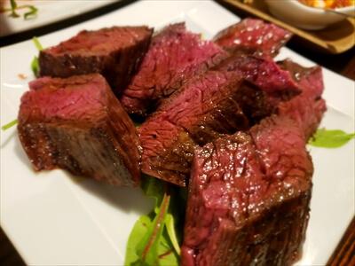 高松市『肉山』の牛肉料理