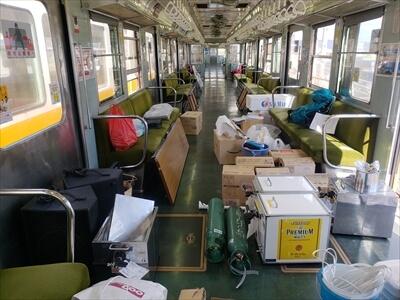 動く電車でハロウィンパーティー-機材・食材の搬入