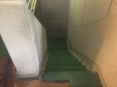 高松の奥座敷さぬき温泉の第2露天風呂への長い階段
