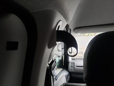 ハイエースのセパレートバー差込口にアタッチメント取付け-下向き