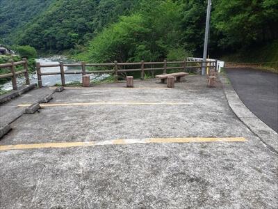 駐車場-二又の瀬-穴吹川