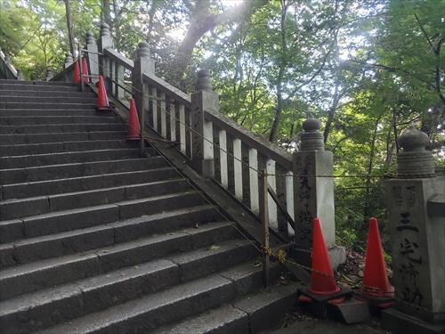通行止め跡-奥社『厳魂神社』への道中