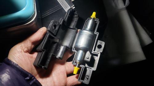 燃料ポンプのゴムカバー-FFヒーターの消音化