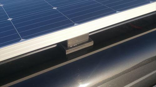 ソーラーパネルの支え-サイド