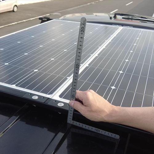 ソーラーパネルで車高5cmアップ-ハイエース