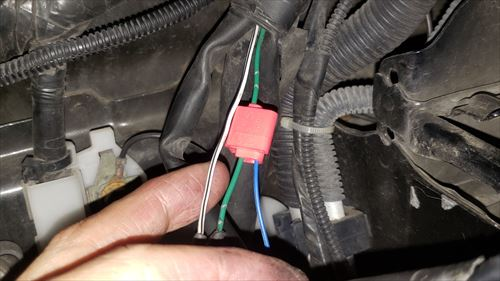 ドアミラーポジション線接続-ハイエースのヘッドライト