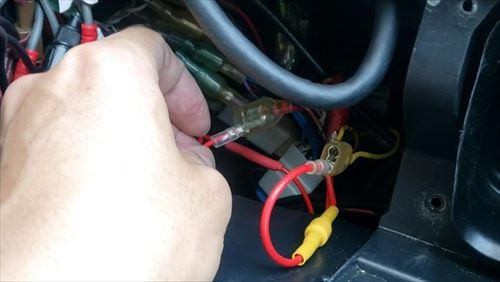 常時電源とACC電源取り出し箇所-ハイエースにドライブレコーダー取付け
